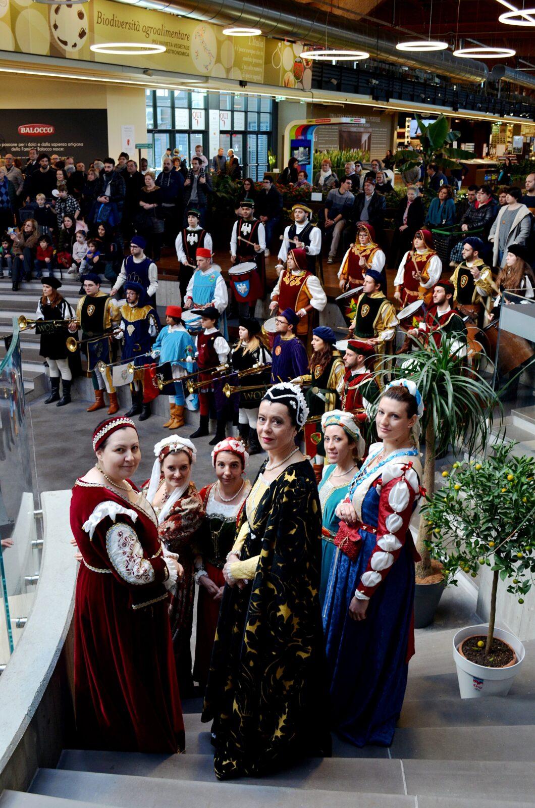 Carnevale degli Este - Uscita a FICO Eatitaly Bologna